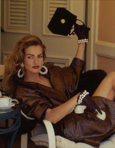 Karen Mulder photographed by Patrick Demarchelier, Vogue, September 1991 Source by lexeecouture inspiration Models Men, 90s Models, Fashion Models, Vogue Models, Urban Street Fashion, Mode Outfits, Fashion Outfits, 90s Fashion, Couture Fashion