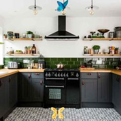 16 grey kitchen ideas that are stylish and sophisticated  <br> Which look is your favourite? Dark Grey Kitchen Cabinets, Dark Green Kitchen, Kitchen Cabinet Colors, Painting Kitchen Cabinets, Kitchen Colors, Studio Kitchen, Home Decor Kitchen, Kitchen Interior, Kitchen Ideas