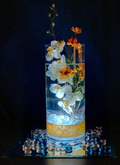 Center pieces for the tables. I think it looks cool with the light shining in the glass Next Wedding, Plan My Wedding, Dream Wedding, Wedding Ideas, Event Planning, Wedding Planning, Starry Night Wedding, Led Tea Lights, Flower Centerpieces