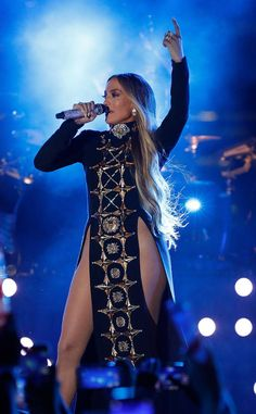 Jennifer Lopez from The Big Picture: Today's Hot Photos The singer performs at the Macy's 4th of July Firework Show at in New York City.