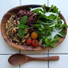 "Spicy fried TOFU with quinoa & marine-plants""Me-Hijiki"" brown rice of miscellaneous cereals/キヌアと芽ひじき入り、スパイシーな炒り豆腐、雑穀玄米を添えて"