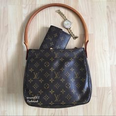 """Louis Vuitton Monogram Looping Shoulder Bag The best thing about Louis Vuitton is that it's elegancy and classiness always elevates your wardrobe whether you're going casual or dressy. Every girl needs a little Louis in their handbag collection. Comes to you in EUC. Has been stored in it's dustcover, box and a protective bin. Measures: 9.5"""" x 8"""" x 4"""". Handle drop 9"""". No scrapes, fading, stains or bruises. The strap thread has a little fraying but doesn't take away from the beauty of this…"""