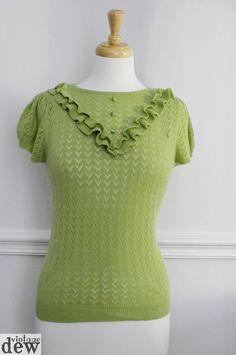 1940 S 30 S lime green LACE KNITTED jumper LIGHT KNIT blouse WW2 vintage 14