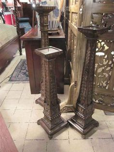 Floor Candle Holders Tall, World Decor, Best Candles, Household Items, Candlesticks, Entryway Tables, Centerpieces, Flooring, Diy Ideas