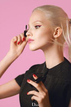 Sasha Luss - Dior Addict It-Lash