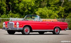 1971 Mercedes-Benz Cabriolet, drove one of these . but black with tan interior. Mercedes Benz Coupe, Mercedes Models, Mercedes S Class, Mercedes Benz Cars, M Benz, Classic Mercedes, Car Colors, Retro Cars, Vintage Cars