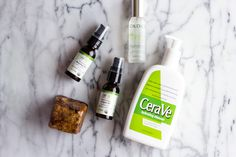 How to use black soap on your face without burning including how black soap works and why it's effective on acne and oily skin as well as eczema and psoriasis. Sensitive Acne Prone Skin, Oily Skin, Diy Skin Care, Skin Care Tips, Diy Beauty Care, Oil Cleansing Method, Skin Care Home Remedies, Natural Skin, Natural Soaps