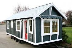 Small tiny home park model Small Tiny House, Micro House, Tiny House Cabin, Tiny House Living, Tiny House On Wheels, Small House Plans, Park Model Homes, Park Homes, Tiny House Exterior
