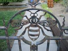 Garden Design Fence A garden gate designed to blend a whimsical motif with classic iron details that wouldnt look out of place in front of a 100 year old craftsman bungalow. Gate is steel with a three coat wip Sculpture Metal, I Love Bees, Bee Art, Entrance Gates, Gate Design, Entrance Design, Save The Bees, Bees Knees, Bee Keeping