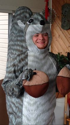 Best squirrel costume ever!  sc 1 st  Pinterest & Brittau0027s Squirrel costume! Community!! | Geekout | Pinterest ...