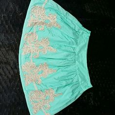 Cute skirt Silk & cotton skirt. Fully lines. In great condition. 17 inches from top of band to hem. Skirts