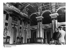Ausstellungshalle in der Ruine:  Der Westflügel des Stadtschlosses blieb bei...