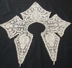Rare Irish Youghal Lace Collar, c.19th century - Antique Lace, Linens-Vintage Clothing-Textiles-Fans-Stella Niforos-New York: Archive
