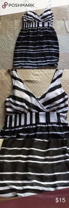 Striped V-Neck Dress Perfect for the summer. Lightweight sheer fabric. Lined for modesty. Bubble bottom hem. Super cute! Very good condition. Dresses