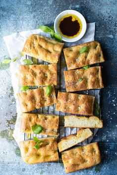 easy focaccia bread with pesto and parmesan - Foodness Gracious Focaccia Bread Recipe, Vegan Recipes, Cooking Recipes, Bread Recipes, Healty Dinner, Skillet Bread, Good Enough To Eat, Recipe For Mom, No Bake Treats