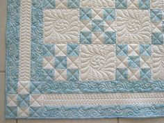 Alternating 9 patch-like the border.