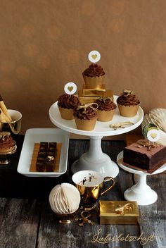Golden chocolate - sweet table