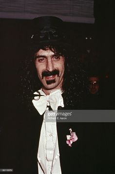 News Photo : Photo of Frank ZAPPA; Hosting a Halloween party...