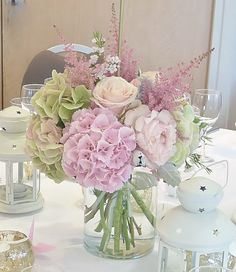 Centre de table bouquet Chez Fleur - A imaginer en blanc/vert et pointe de marron