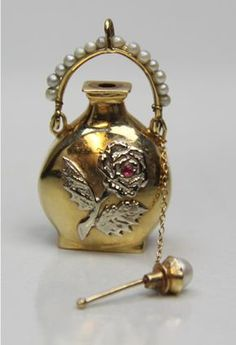 1918 antique perfume bottle gold ruby and pearls - Beautiful & Unusual Perfume Bottles - Antique Perfume Bottles, Vintage Bottles, Antique Glass, Antique Jewelry, Antique Gold, Perfumes Vintage, Top Perfumes, Beautiful Perfume, Vases