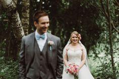Portraits in the forest | Scandinavian wedding | Pitsiniekka | Picture by Jaakko Sorvisto www.jaakkosorvisto.com