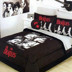 A BEATLEMANIACOS' ROOM GREAT !!