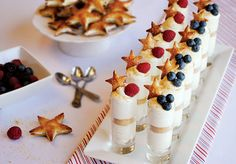 Amazing star shots glasses. Perfect idea for guests during occasions.  Having food like this makes you feel real special.  #fooddecors