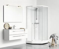 A classic, pentagonal UNIQUE shower cabin with a minimalistic expression that matches any bathroom. Incl. riser rail, soap holder, shower hose and handset with five dirrerent functions.