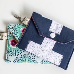 Show Off Saturday: some cute little wallets on the fly! — SewCanShe | Free Daily Sewing Tutorials