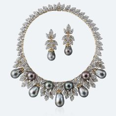 The Gryphon's Nest — Pearl & Diamond Necklace by Buccellati!