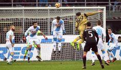 Sport: #Milan News #trattativa rinnovo Donnarumma: Raiola chiede 10 milioni a stagione (link: http://ift.tt/2khxNHJ )