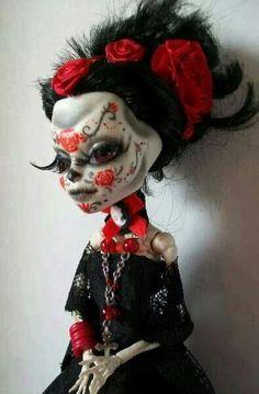 Cute, in a creepy way.