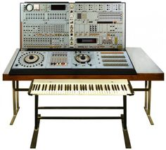 Czech synth (1971). How awesome is this??