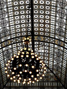 window as art, Karstadt store in Görlitz, Germany: dome in Jugendstil (Eddy Van 3000)