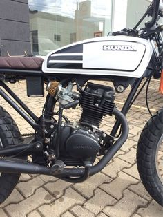 Read up on a variety of my most favorite builds - specialized scrambler concepts like Cafe Racer Moto, Cg 125 Cafe Racer, Cafe Racing, Moto Bike, Honda Scrambler, Honda Motorcycles, Custom Motorcycles, Custom Bikes, Scrambler Motorcycle