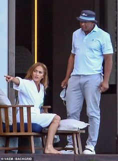 EXCLUSIVE: Kiss and make up? Jennifer Lopez and Alex Rodriguez put split rumors to bed with a VERY passionate display in the Dominican Republic Failed Relationship, Alex Rodriguez, Kiss Makeup, Hollywood Stars, Jennifer Lopez, All Star, Music Videos, Dancer, Actresses