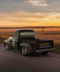 Check this out! I quite simply prefer this colouring scheme for this car 1956 Ford Truck, 1956 Ford F100, Old Ford Trucks, Old Pickup Trucks, Cool Trucks, Big Trucks, Farm Trucks, Station Wagon, American Pickup Trucks