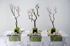 awesome 38 Modern Christmas Table Centerpieces Ideas You Will Totally Love Beachy Centerpieces, Modern Wedding Centerpieces, Christmas Table Centerpieces, Winter Wedding Decorations, Table Decorations, Centerpiece Ideas, Wedding Tables, Flower Centerpieces, Green Theme