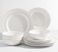 This richly colored dinnerware has the look of finely crafted ceramics, but is made of break-resistant, durable melamine. Pair this Cabana Set with colorful or all-white linens to set a table that's both stylish and easy. DETAILS YOU&rsquo…