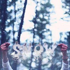 Art Freaking LOVE this winter-wonderland