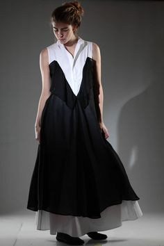 Yohji Yamamoto | Long dress in white cotton poplin sewn on another dress in black silk voile |