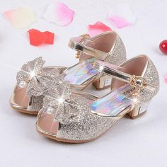 Summer 2017 Children Princess Sandals Kids Girls Wedding Shoes High Heels Dress Shoes Party Shoes for Girls Leather Bowtie Shoe code code: 26 yards within 27 cm long yards cm long 28 yards within 29 cm long Source link Girls Wedding Shoes, Wedding High Heels, Wedding With Kids, Sandals Wedding, High Heels For Kids, Anna Y Elsa, Princess Shoes, Princess Style, Kids Sandals