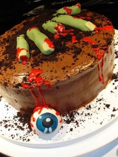 Link doesn't go anywhere, but the cake idea is good Zombie Birthday Cakes, Zombie Birthday Parties, Zombie Party, Zombie Cakes, 40th Birthday, Birthday Ideas, Gross Cakes, Scary Cakes, Halloween Cakes