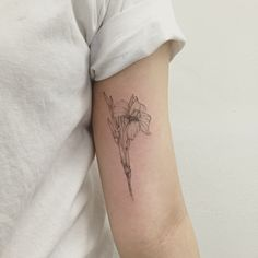 canna tattoo by hongdamkt