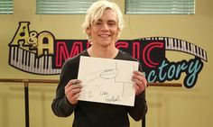 """""""Austin & Ally"""" stars Laura Marano, Calum Worthy and Ross Lynch had some fun making signs that they would use if they went to the Rose Bowl. It is being"""
