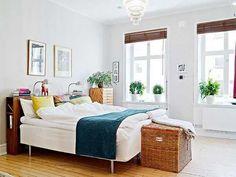Beautiful Room.  Those large window ledges for plants = dreamy