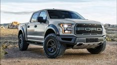Ford Raptor fans get first look at 2017 SuperCrew version of a pickup truck that can do 100 m. off-road. Raptor Truck, Jeep Truck, Pickup Trucks, Truck Bed, Carros Off Road, Ford Lobo, Ford Lincoln Mercury, Detroit, Offroader