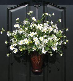Spring Outdoor Wreath  Spring Daisy Basket  by twoinspireyou, $85.00