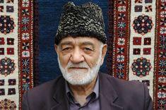Carpet seller Baku Azerbaijan - #PieterCronjeTravel #Baku  #Carpetseller Baku Azerbaijan, List Of Countries, Travel Photos, Asia, Carpet, Artists, World, Culture, Travel Pictures