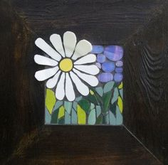 Nikki Murray-Mason, a mosaic artist, specialising in flower mosaics, based in Bermuda. Mosaic Tile Art, Mosaic Crafts, Mosaic Glass, Glass Art, Mosaic Flowers, Stained Glass Flowers, Mosaic Garden, Diy Art, Daisy